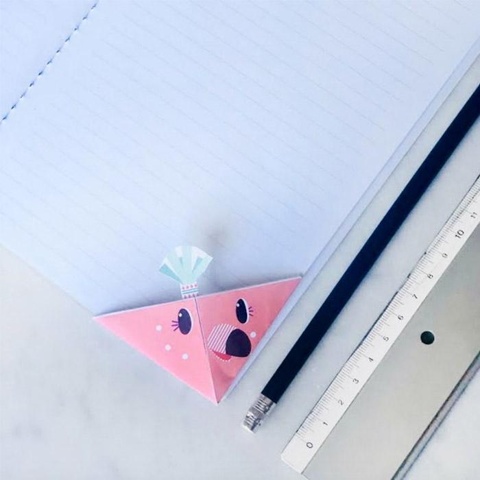 Origami bookmark DIY